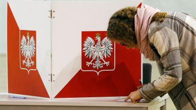 Либералната опозиция печели изборите за кмет в големите полски градове