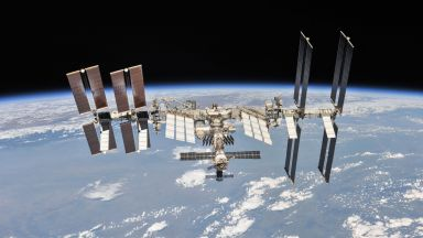 МКС може да е над нас и след 10 години