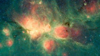 """""""Хъбъл"""" с нови данни за едни от първите звезди във Вселената"""