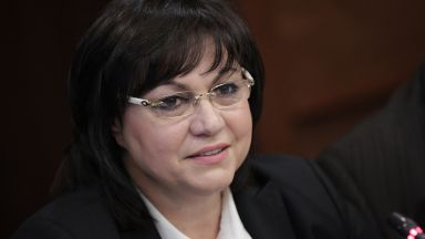 """Нинова: Удариха Йончева, защото има """"бомба"""" за корупция в строителството"""