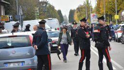 Осъден мафиот държа заложници в поща 7 часа в Италия