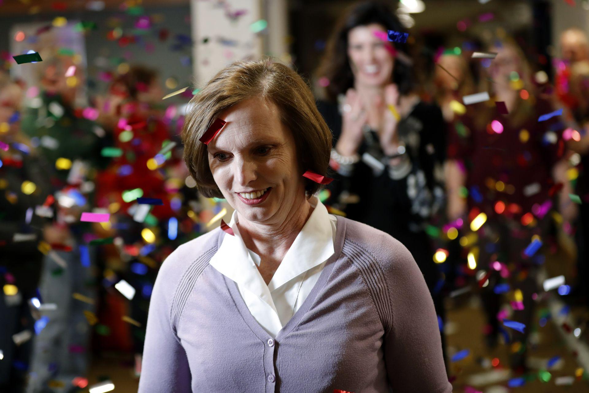Самотна майка е единият от двамата победители в лотарията Пауърбол