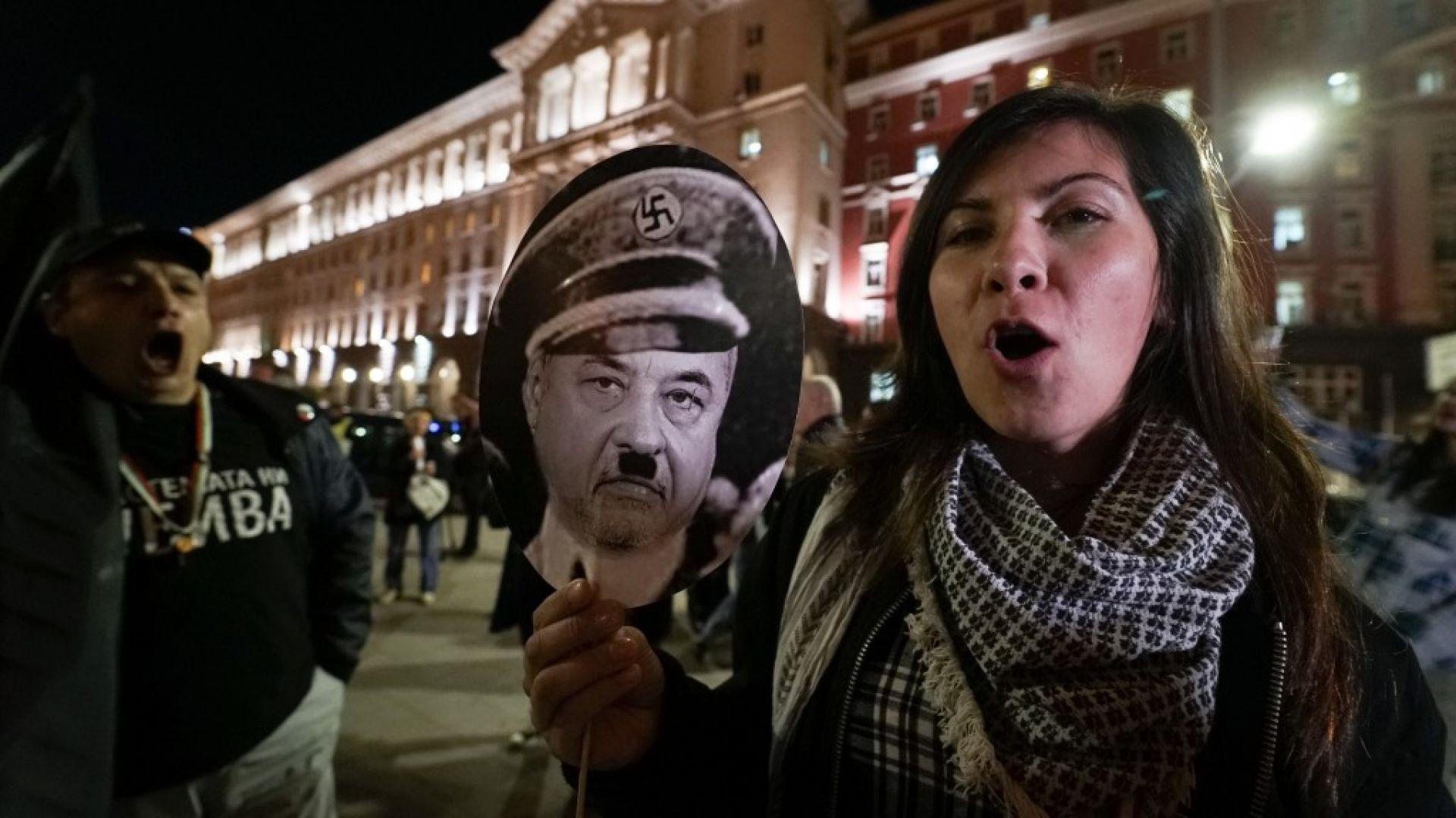 15-и ден протести: Автошествие блокира центъра на София