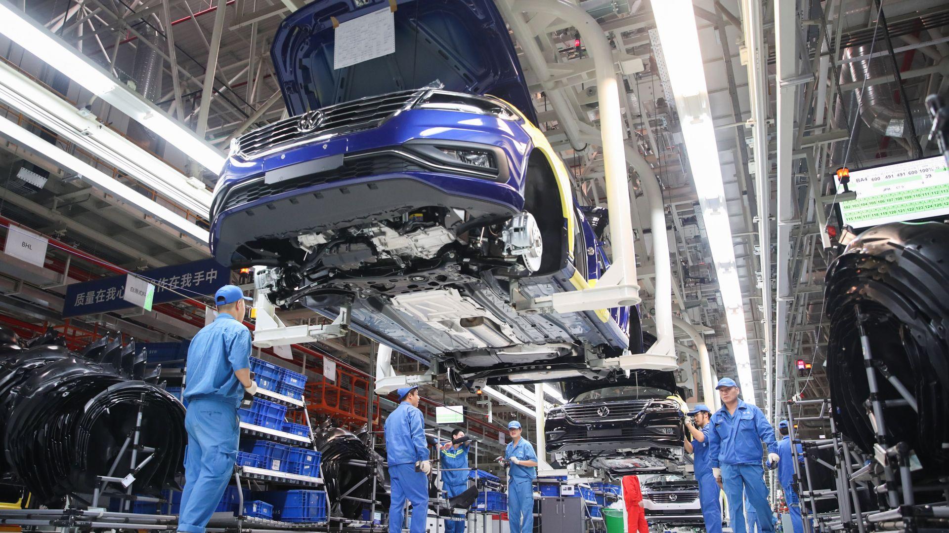 Фолксваген внася в Китай части за 9 млрд. долара