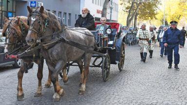 Пловдивчани посрещнаха Вазов както преди 98 г.