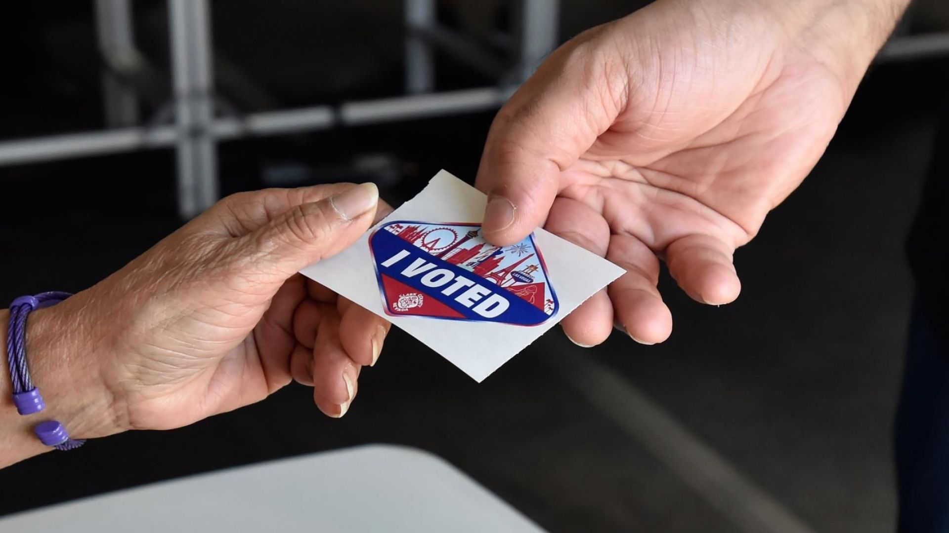 Изборите в САЩ започнаха с дълги опашки пред секциите
