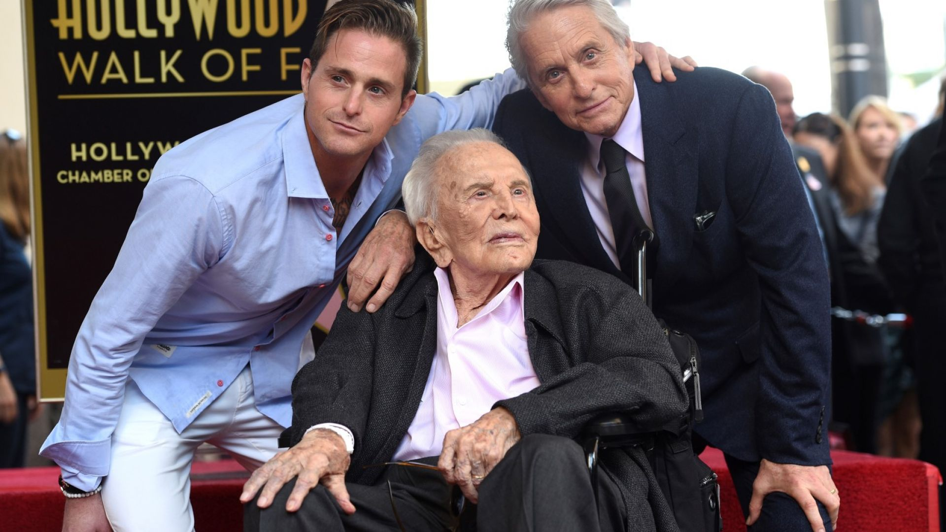 Алеята на славата събра три поколения от фамилията Дъглас