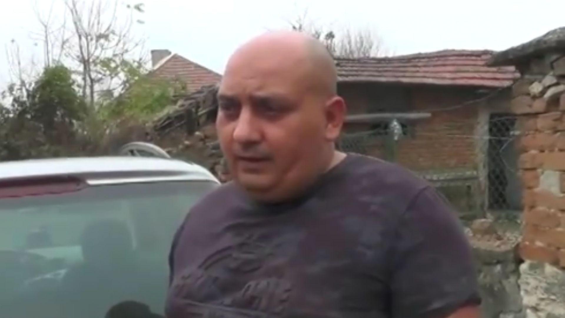 Хванаха 10-годишно дете зад волана на кола, баща му позволил