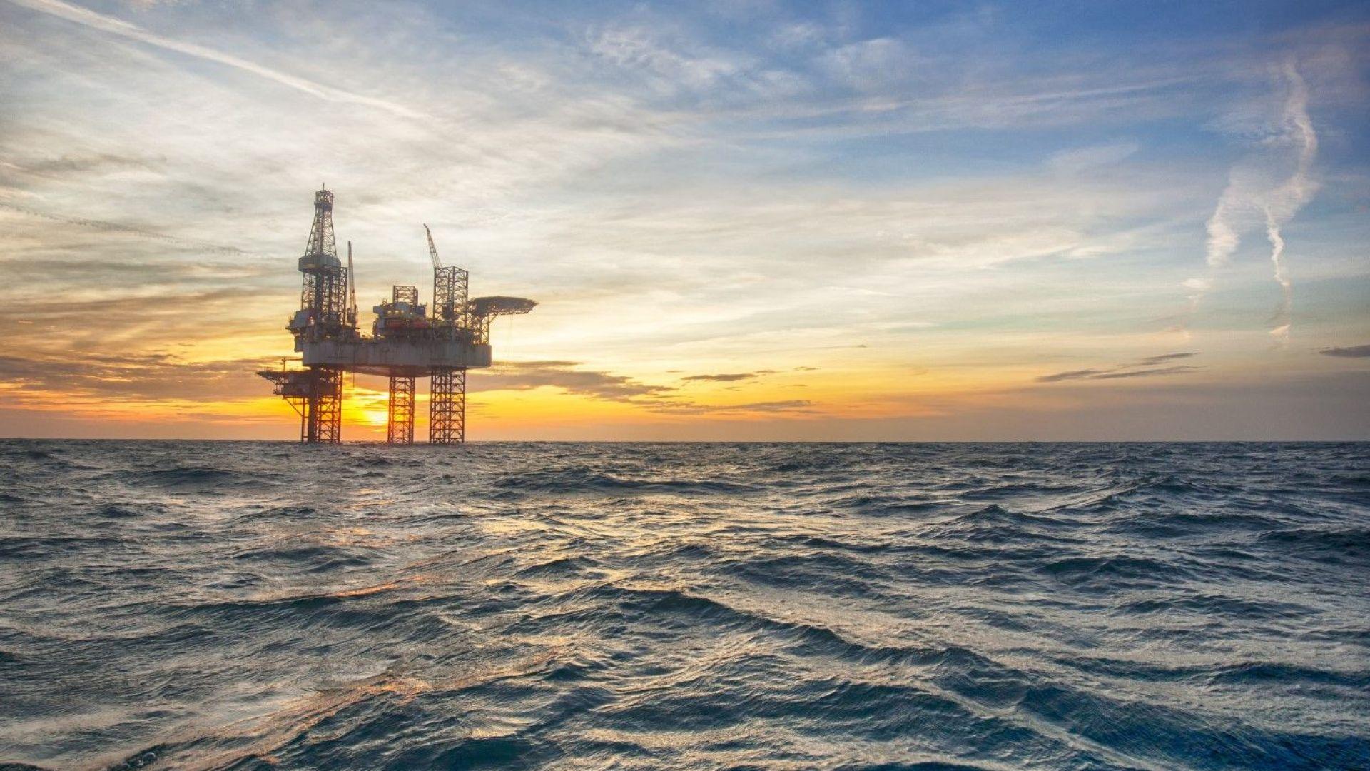 ЕК прогнозира цена на петрол над $80 за барел през 2020 г.