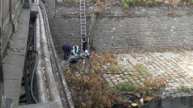 Откриха мъж в безпомощно състояние в коритото на Владайска река