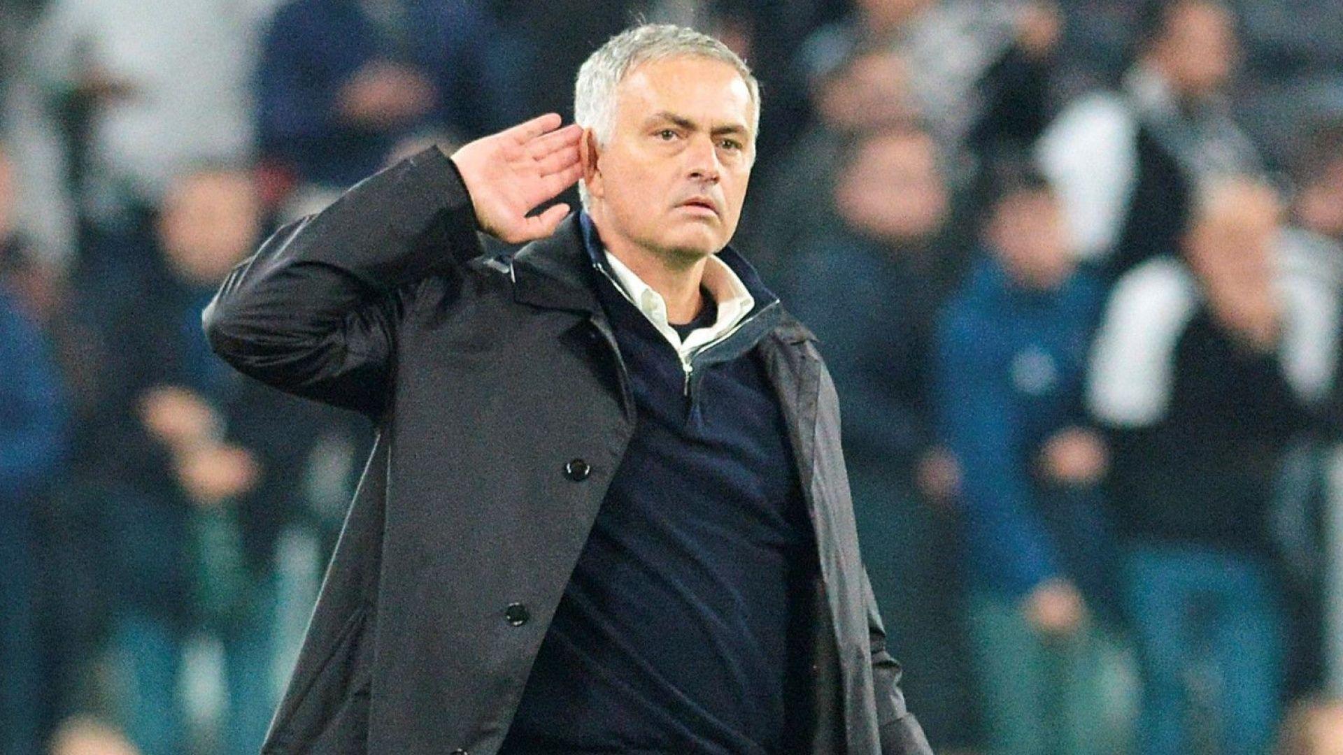 Легенди на Юнайтед отново разкъсаха от критики Моуриньо