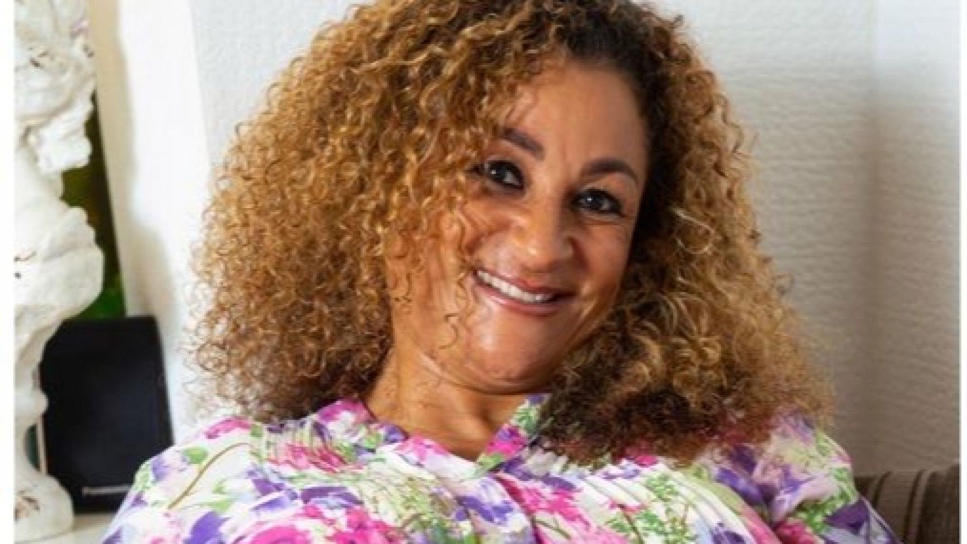 Баба на 8 внуци (50) стана майка на четиризнаци