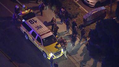 12 души са убити при стрелба в бар в Калифорния (видео)