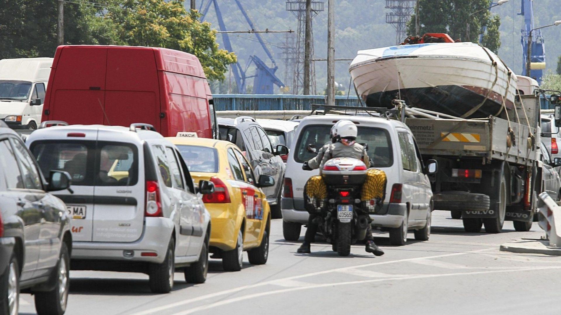 """Институтът за пътна безопасност: Ако """"бонус-малус"""" падне върху автомобила, ще създаде бумащина и затруднения"""