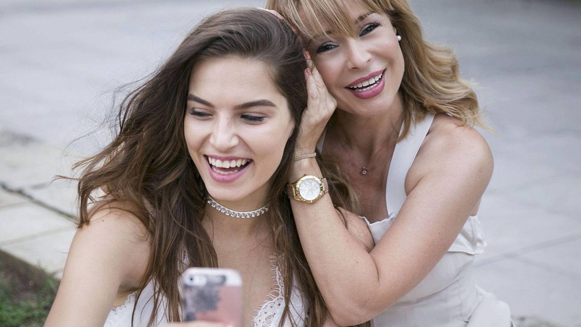 С дъщеря си Лора (Снимка: Жоро Торнев)