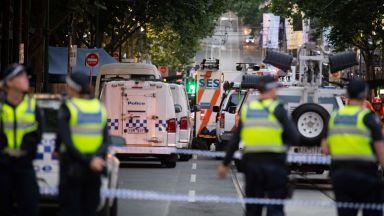 В Австралия събраха $125 000 за бездомник, помогнал за обезвреждане на терорист