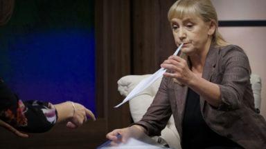 Йончева се сдобила с документ - сигнал за лоша настилка на пътя край Своге