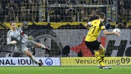 Дортмунд получи удар, но нокаутира Байерн във велик мач