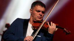 Васко Василев изненада феновете си в НДК с песен на LP