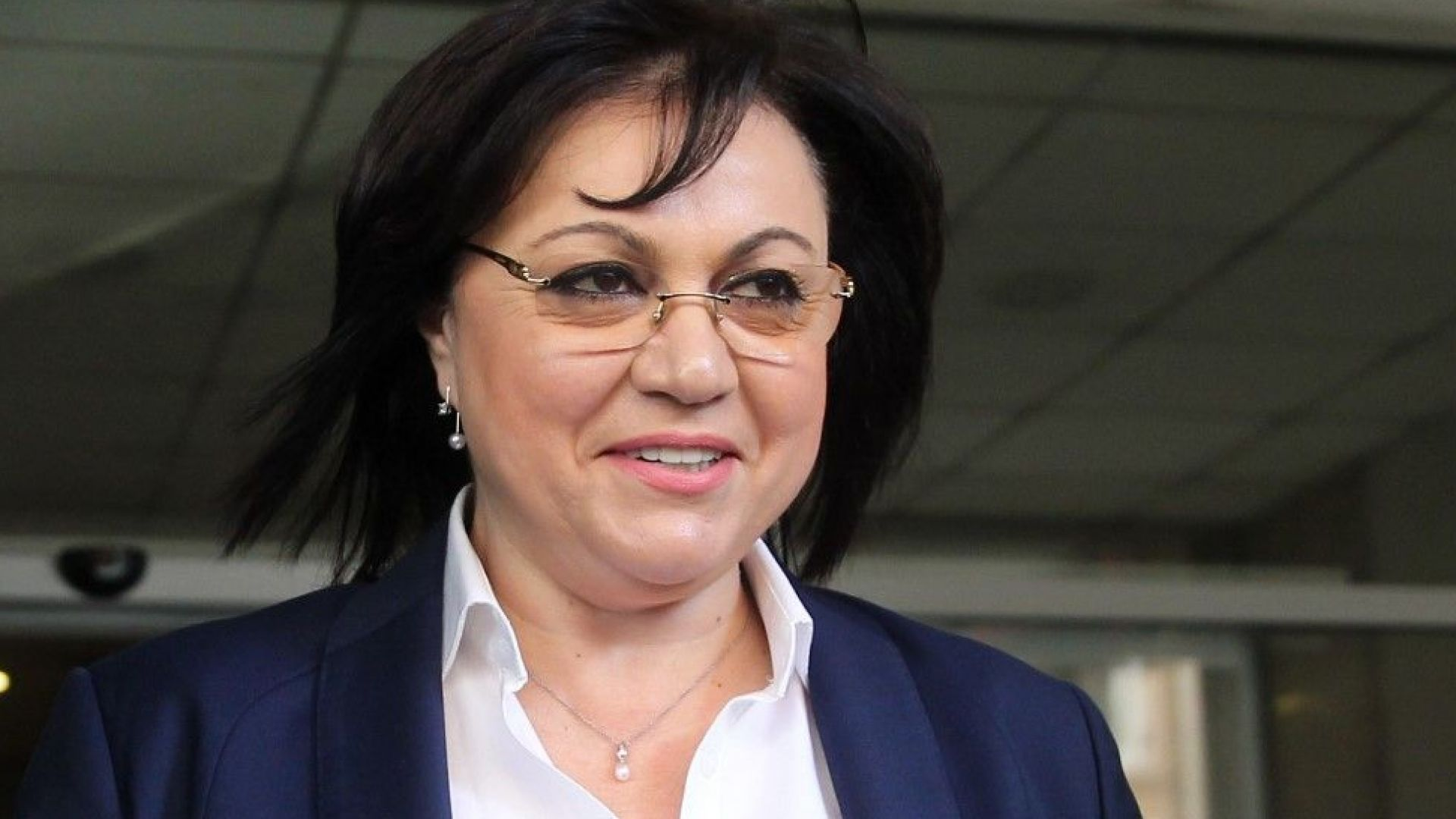 """Главният редактор на """"Дума"""" подаде оставка след бурен пленум на БСП"""