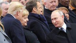 Тръмп и Путин са водили импровизиран разговор в Елисейския дворец