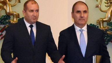 Кръстосан огън: Има ли опасност за демокрацията в България?
