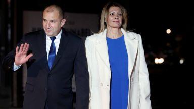 Деси Радева, Брижит Макрон и Колинда Грабар в синьо в Париж (снимки)