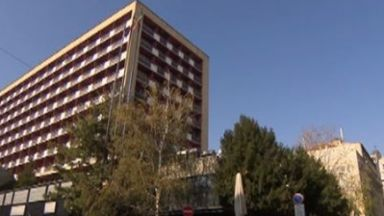 """Собственикът на хотел """"Рила"""" иска да дострои нова сграда на 10 етажа"""