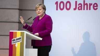 Меркел отбеляза 100-годишнината от даването на избирателни права на жените