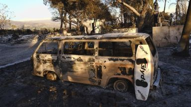 Откриха още 13 изгорели в колите си хора в Северна Калифорния