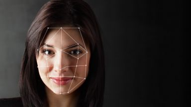 Система разпознава редактирани с Photoshop лица