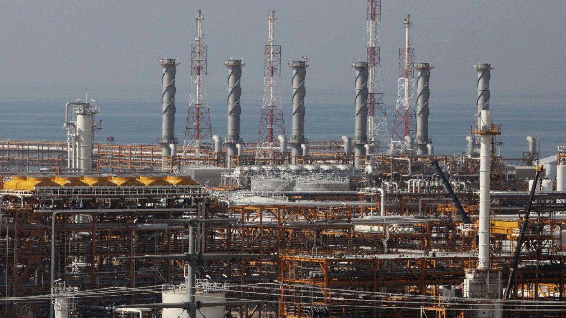 """Иран разработи """"механизъм"""", за да продължи да продава петрол на Сеул"""