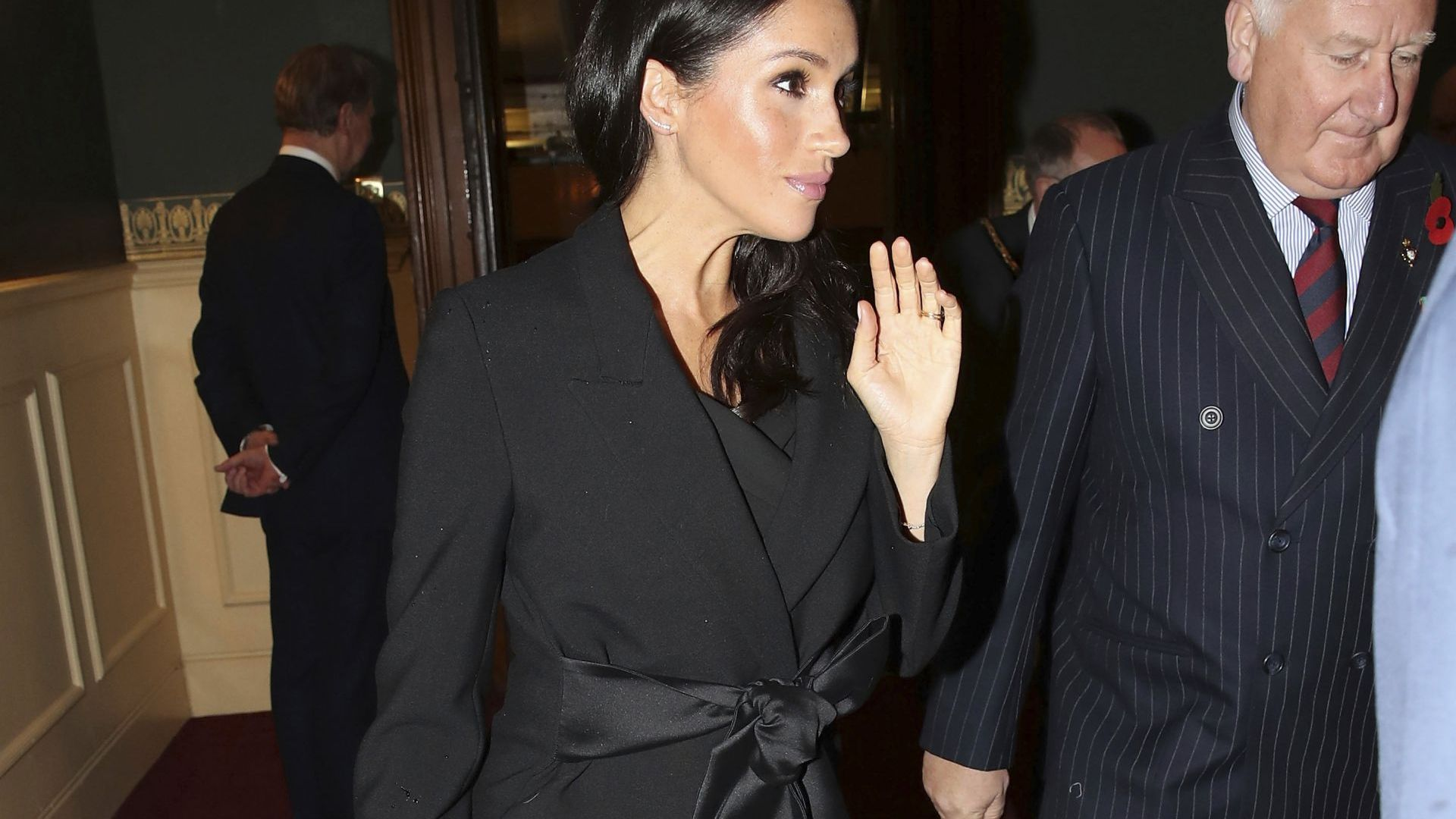 Меган и Кейт с перфектен моден избор в черно