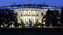 """САЩ прекратяват """"изключенията"""" за санкциите за ирански петрол"""