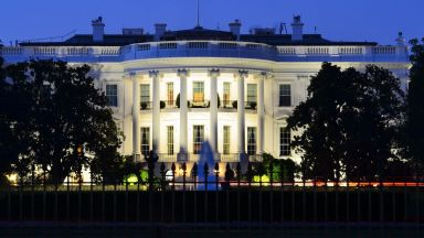 Щатски съдия нареди Белият дом да върне акредитацията на журналист от Си Ен Ен