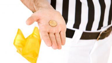 Монета изхвърли рефер от съдийството