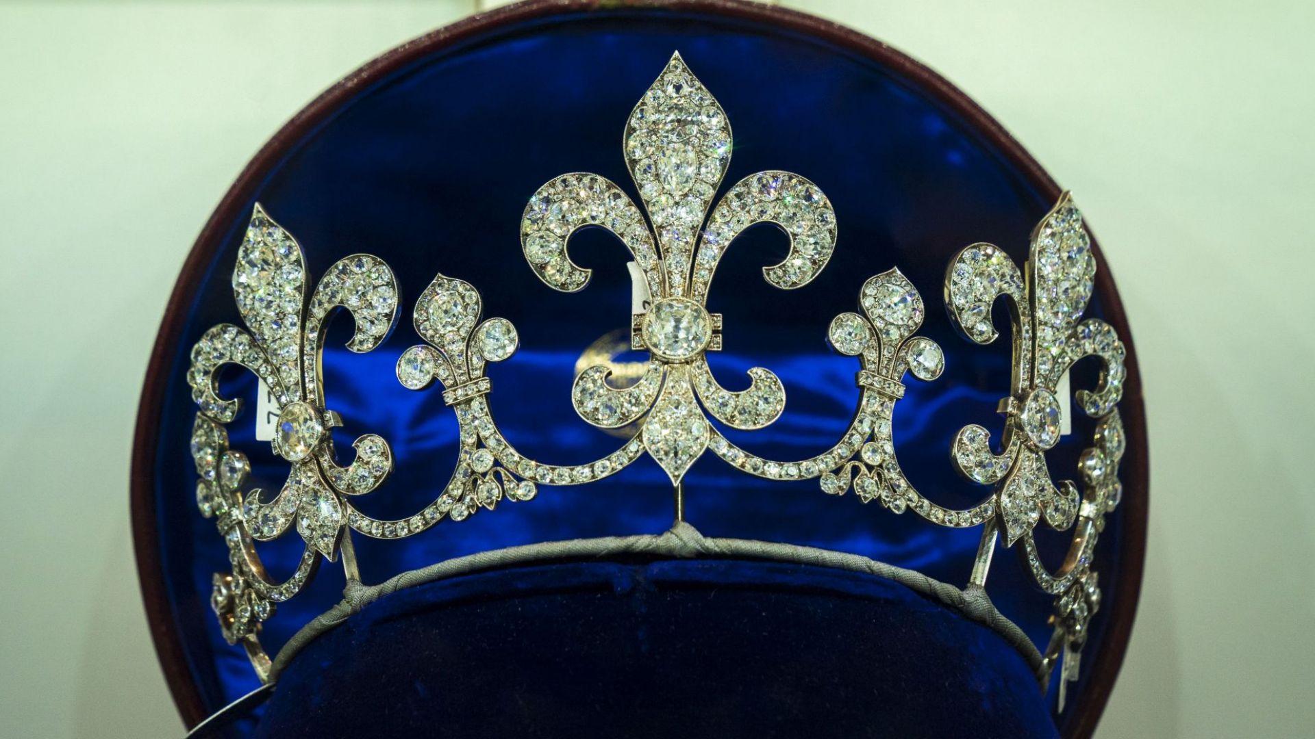 Продават невиждани от 200 г. бижута на Мария Антоанета (снимки)