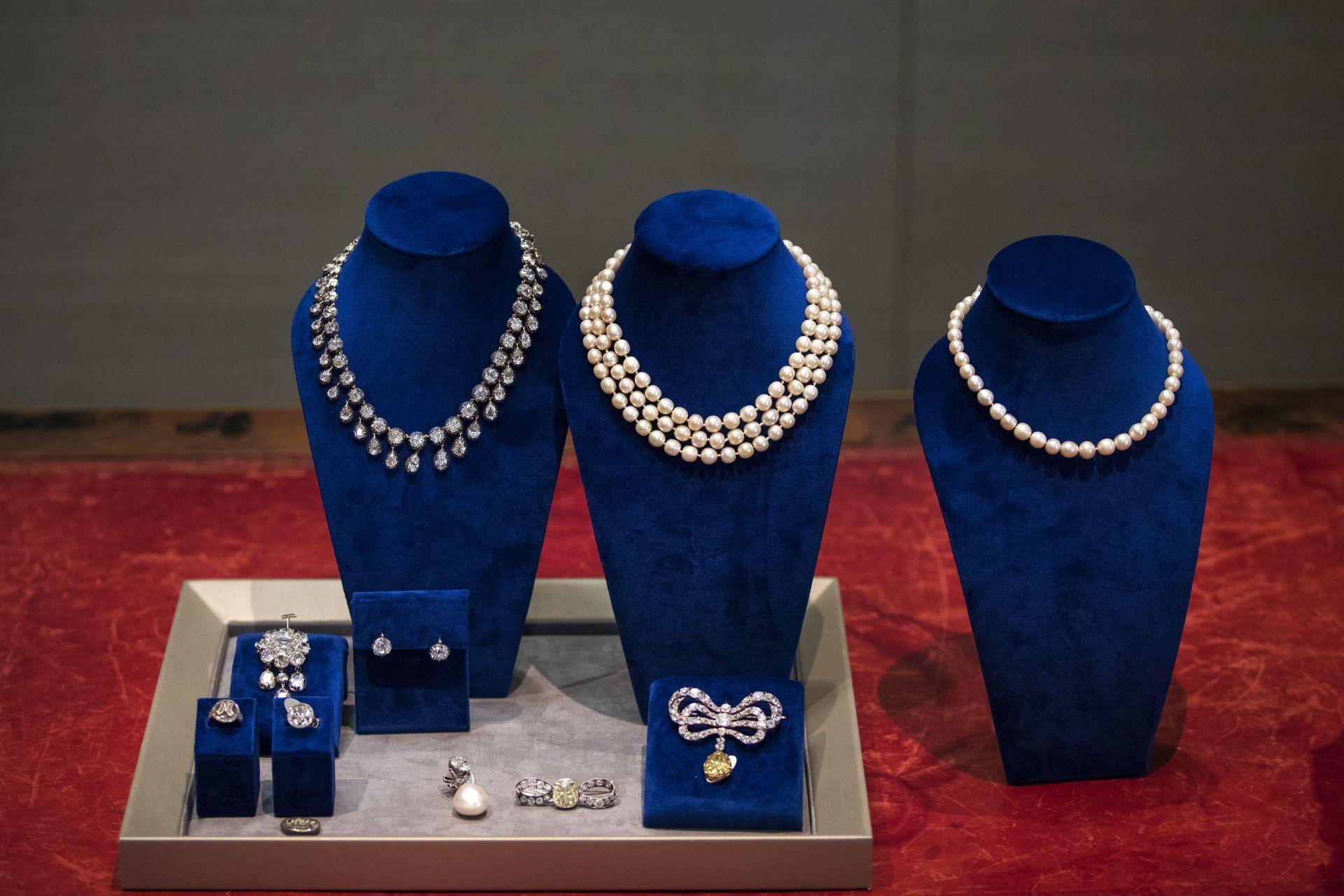 Бижутата на Мария Антоанета не са показвани от 200 години