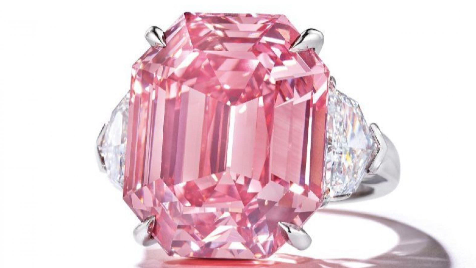 """Диамантът """"Розово наследство"""" бе продаден за 50 милиона долара"""