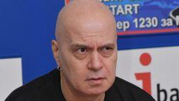 Борисов гостува в Шоуто на Слави, Цацаров също