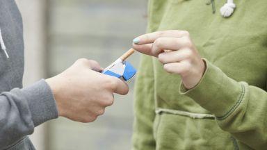 Всяко трето момиче на 15 г. у нас пуши