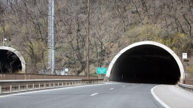 Внимание - чистят тунелите между Асеновград и Чепеларе