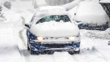 Силен сняг в Южна Русия, затварят училища