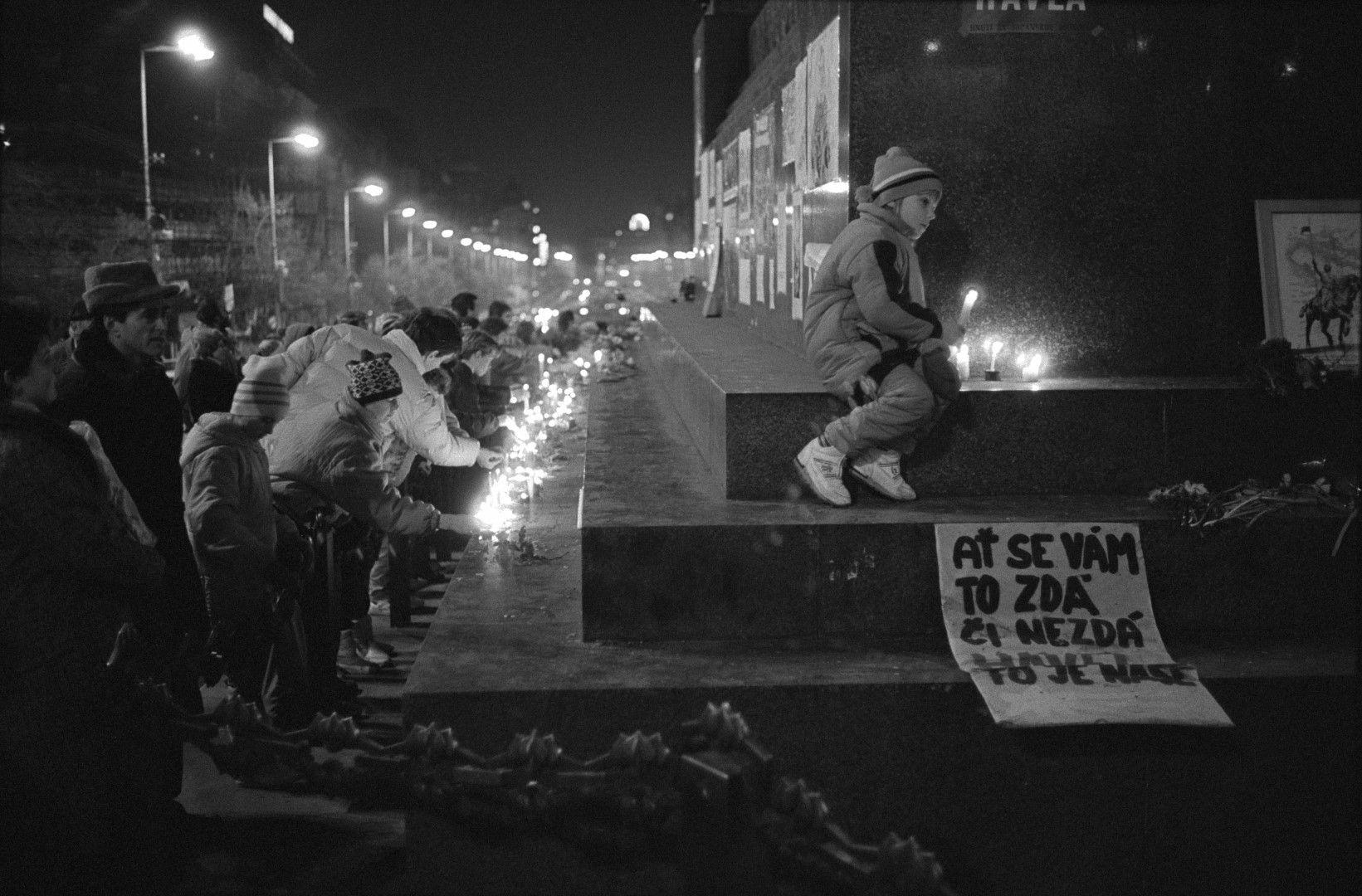 Чехите имат опит с Пражката пролет от 1968 г., затова 20 години по-късно не се предават