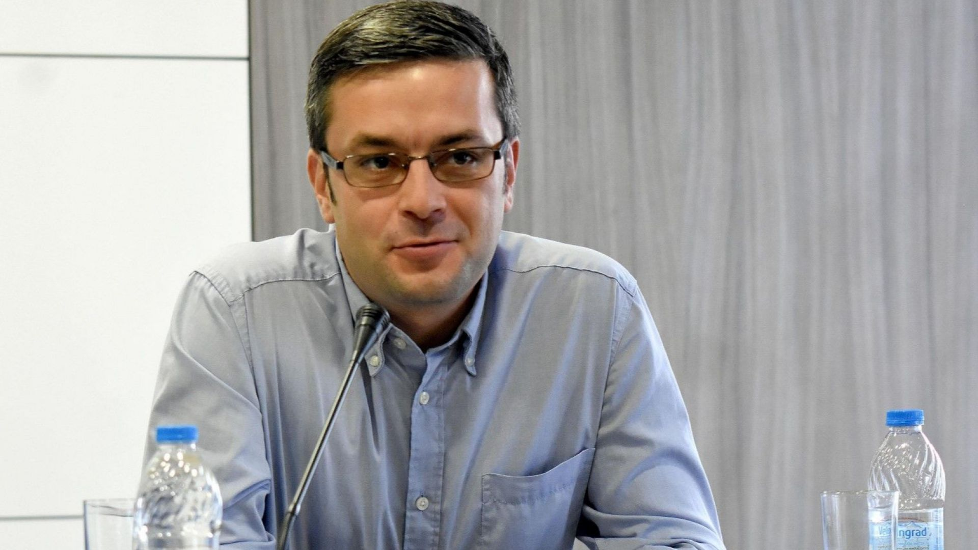 Има организационен център зад протестите в страната, смята Тома Биков
