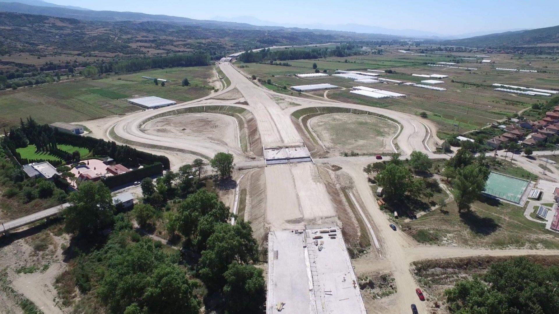 """Пускат 5 месеца предсрочно нови 23 км от магистрала """"Струма""""  -  от Кресна до Сандански"""