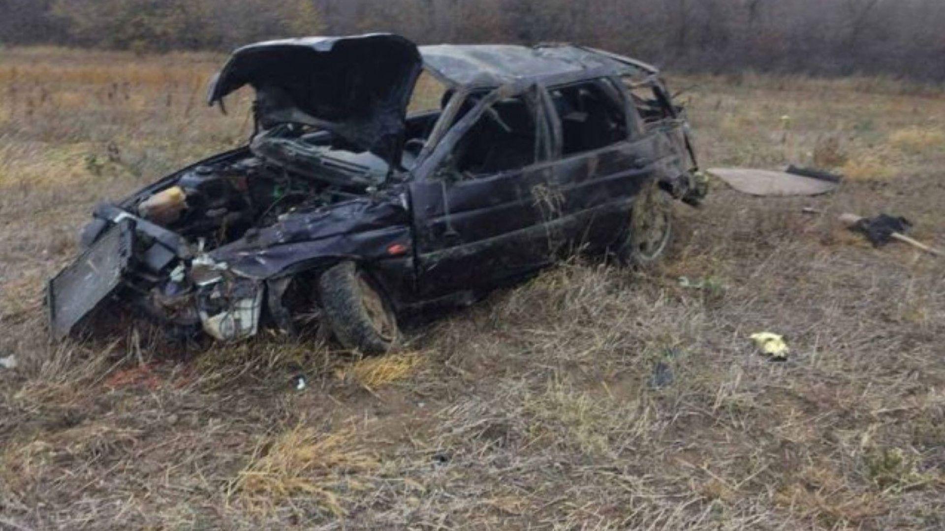 Трима души - шофьор и двамата му спътници, загинаха днес
