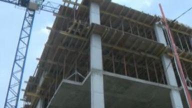 Спряха необезопасен строеж в София