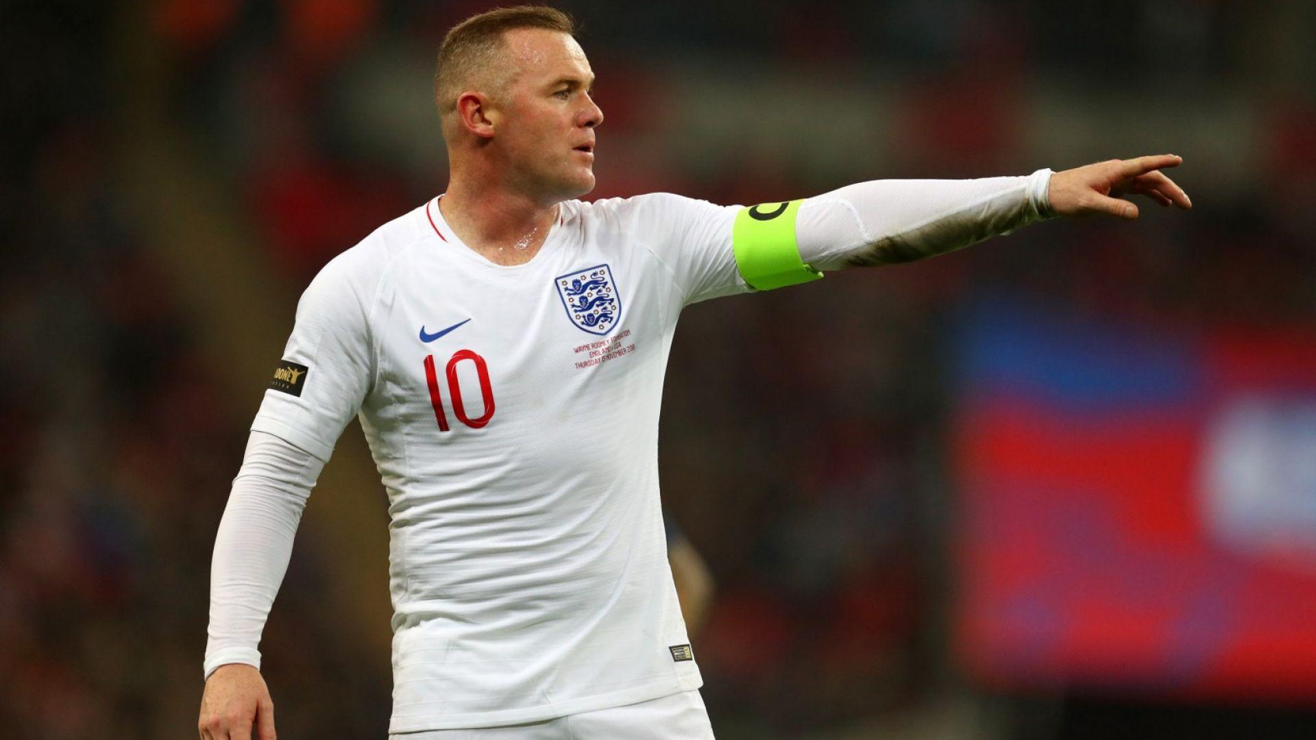 Рууни нападна властите в Англия за късно решение със спирането на футбола