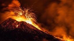 Използваха дрон за безопасно проучване на активен вулкан